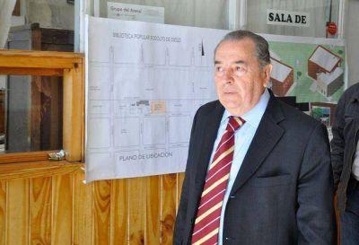 """El gobernador Jorge apareció en la reunión del PJ y se puso """"a disposición"""" para la campaña"""
