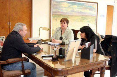 El Gobernador recibió a representantes de la Secretaría de la Mujer