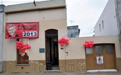 """De Narváez llega al nuevo local de """"Unión por Olavarría"""""""