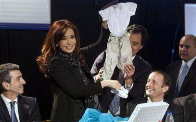Para cerrar fisuras, Cristina se mostró con Scioli e Insaurralde