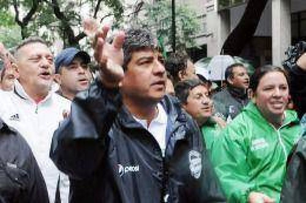 Camioneros marcha el lunes a la Superintendencia para reclamar por las deudas con las obras sociales