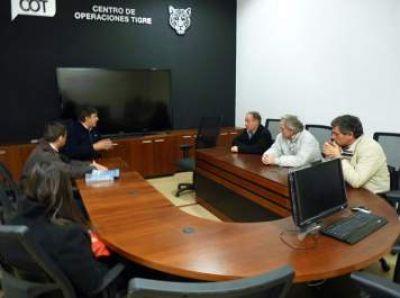 Candidatos del Frente Renovador Dolores visitaron el Centro de Operaciones de Tigre