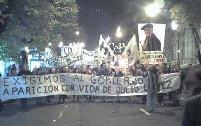 Marchas a 7 a�os de la desaparici�n de Jorge Julio L�pez