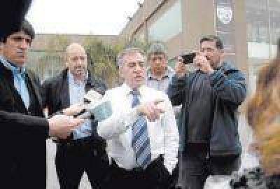 Cariglino avis� a Massa que se opone a limitar la re-reelecci�n de intendentes