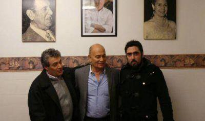 """Venegas visitó Quilmes y dijo que los otros opositores """"son más de lo mismo"""""""