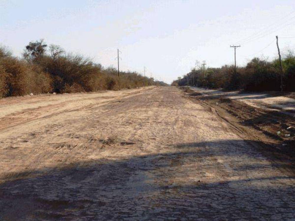 Vialidad Provincial trabaja en caminos para llevar asistencia a comunidades afectadas por la sequía