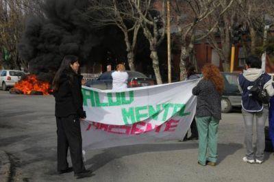 Protesta y panfleteada en dependencias públicas por mejoras salariales y laborales