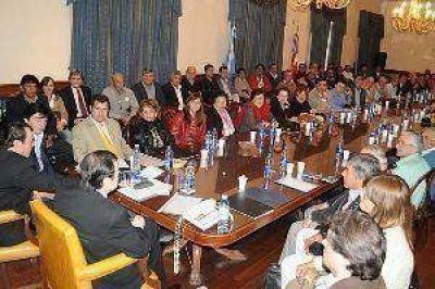 El mandatario provincial continúa las reuniones con las agrupaciones políticas