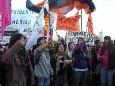Siete a�os sin Julio L�pez: La izquierda y el kirchnerismo marcharon juntos en pedido de justicia