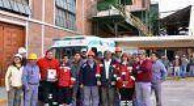 El Gobierno entregó una ambulancia 0 km para el Ingenio La Esperanza