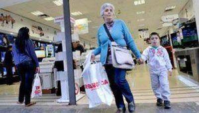Jubilados y pensionados: Más de 9.000 tarjetas Argenta en San Juan