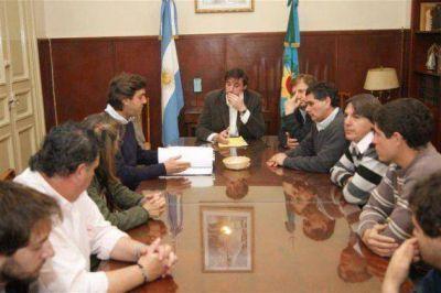 Luciani revisó junto al FpV la situación de la calle Capitan Luján