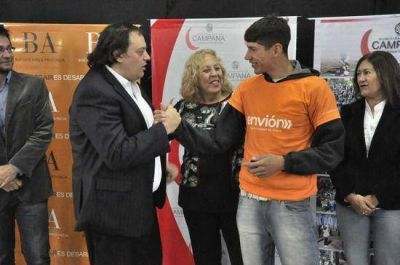 La intendente municipal Giroldi y el ministro Lic. Ferré realizaron el lanzamiento del Programa Envión