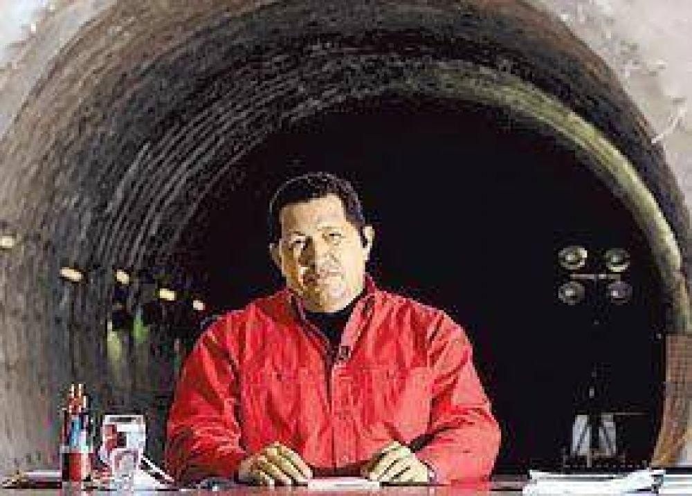 OFENSIVA CONTRA LOS MEDIOS PRIVADOS El gobierno de Chávez amenaza con revisar las licencias de radio y TV