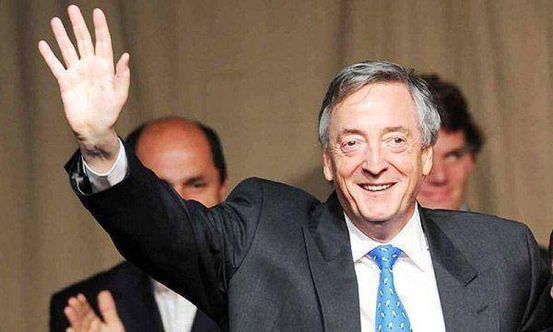 Kirchner retoma sus caminatas por el conurbano bonaerense