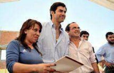 Cien familias de San Lorenzo recibieron las escrituras de sus terrenos