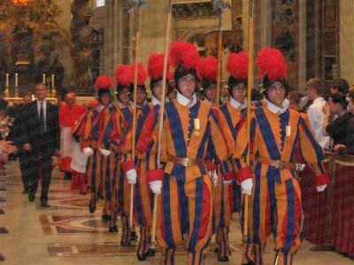 Suiza desembarca en La Plata con la guardia del Papa
