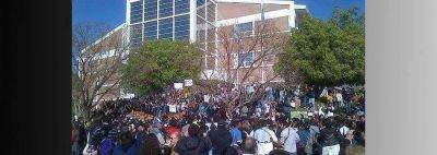 Los estudiantes de la UNLaR se movilizan este domingo
