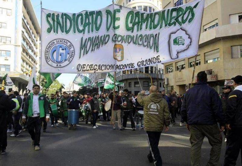Los camioneros marchan hoy para reclamar $ 985 millones al Estado