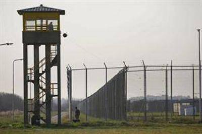 Piden investigar si los presos de Ezeiza reciben comida en mal estado