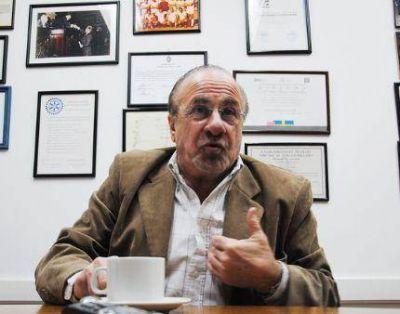 Lamacchia denunció que comerciantes y trabajadores fueron amenazados si abrían el Día del Empleado de Comercio