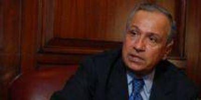 Toda fiesta llega a su fin: Juan Carlos Romero al borde del abismo