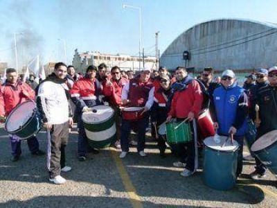Exolgan: trabajadores movilizados por la paralización del dragado