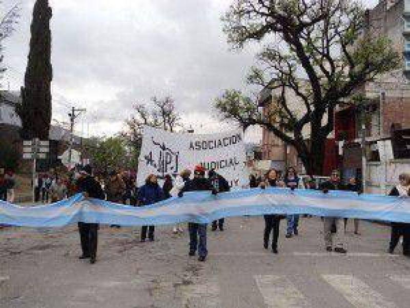 Judiciales de Jujuy aseguran que desde el Poder Ejecutivo y el Judicial �nos han subestimado�