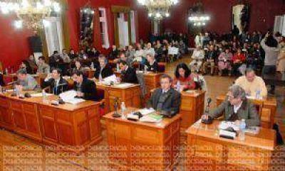 La polémica por los inspectores municipales vuelve a ubicarse en el centro del debate