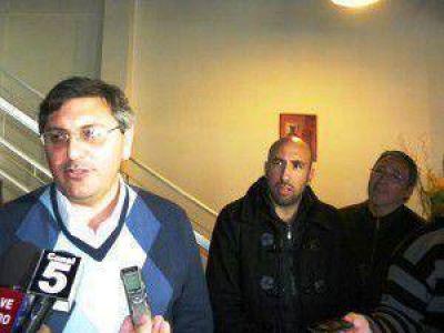 Abarca: hoy Rinaldi sigue siendo concejal del FpV