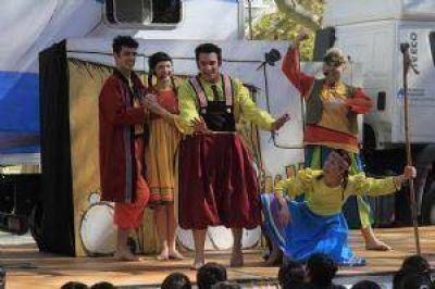 El trailer de Paka Paka cautivó a grandes y chicos en el Festival Internacional de Teatro