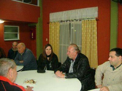 Avellaneda: Los candidatos massistas recorrieron Wilde y recolectaron reclamos de vecinos