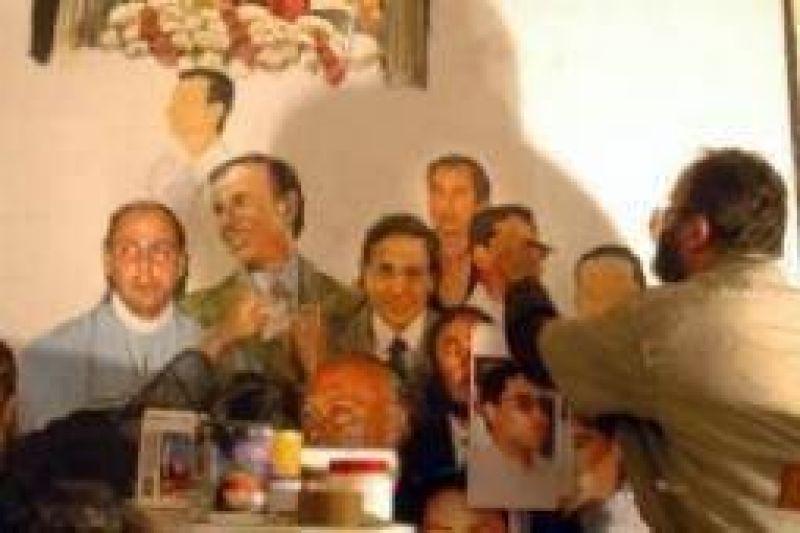 El pintor del mural pol�mico admite sentirse amenazado
