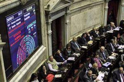 Tras 18 horas y mucha polémica, Diputados aprobó la emergencia económica y el impuesto al cheque
