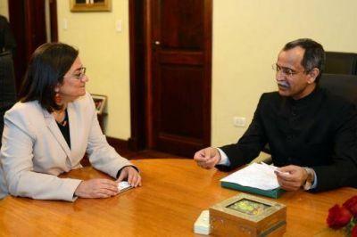 El embajador indio visitó a la Gobernadora