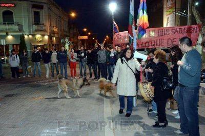 Realizaron una marcha en el centro contra la instalación de Chevron en Argentina