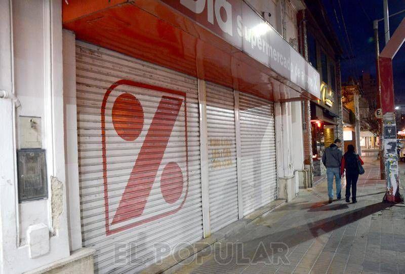 Más del 95 % de los comercios cerraron en Olavarría
