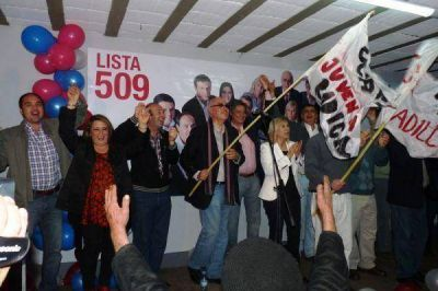 El FPCyS realizó el acto de inicio de campaña hacia octubre