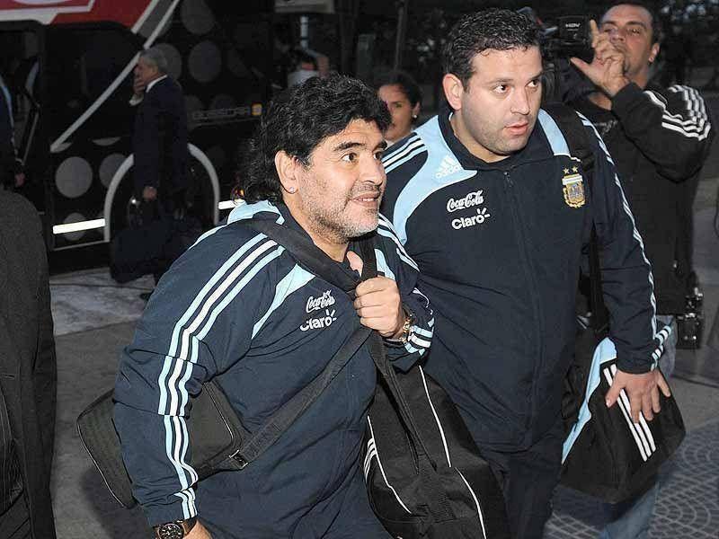 Diego armó un equipo ofensivo para enfrentar a Panamá.