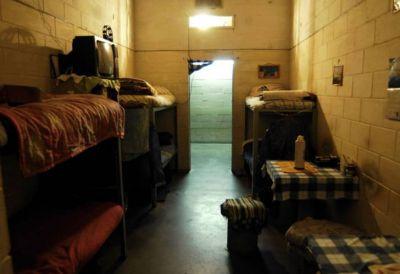 """Grassi está """"deprimido"""" en un pabellón con presos violadores"""
