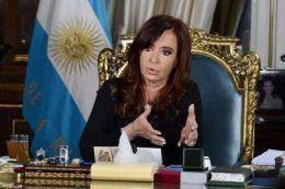 """Cristina: """"Lo que quieren los sectores económicos es imponer condiciones al poder político"""""""