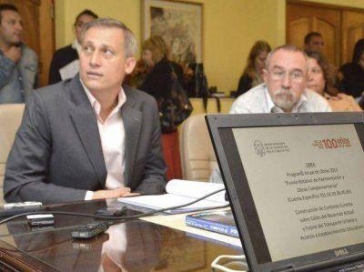 Avilés pidió austeridad y recortes a su gabinete