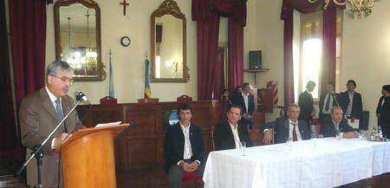 Visitó Colón el Ministro De Vido  El gobierno Nacional invierte 122 millones de pesos en obra pública