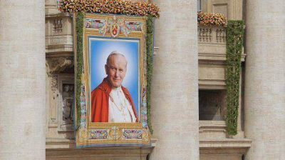 Franciso puso fecha para canonizar a Juan Pablo II y Juan XXIII