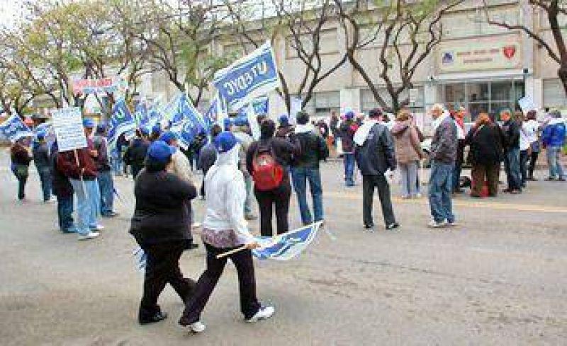 Trabajadores de Utedyc realizaron una protesta en el Hogar de Jesús