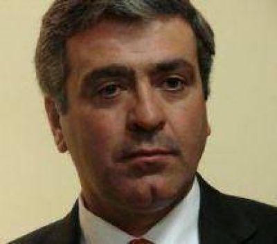 """Cano: """"López les debe una explicación a los tucumanos por el robo del tren a Concepción"""""""