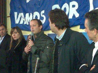 Martín Insaurralde recorrió la Basílica, dialogó con vecinos y brindó una conferencia de prensa