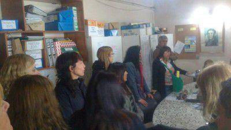Conflicto docente: Protesta Gremial por salarios adeudados