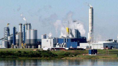Mujica autoriza a la papelera UPM a aumentar su producción en 100 mil toneladas