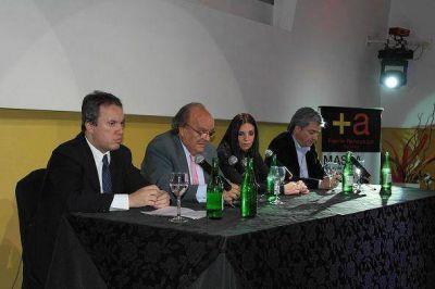 San Isidro: El Frente Renovador expuso sus ideas económicas en San Isidro